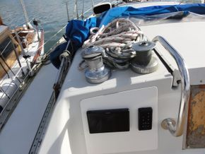 Port Coachroof Winches & Navigation Equipment