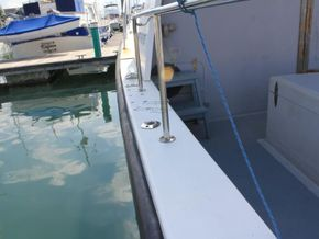 Offshore 105  - Side Deck