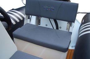 Excel Virago 350 RIB - seat