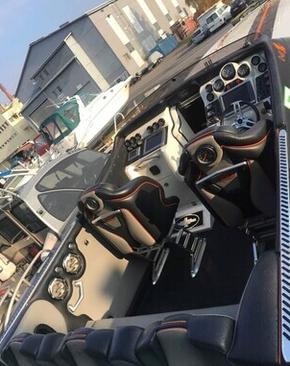 Carine Yachts  - Luxury Yacht Brokerage | Cigarette 46 Rider XP 2010 | Photo 3