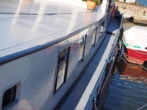 Dutch Barge 23m  - Side Deck