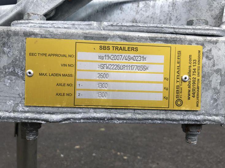 NEW SBS R4/2600EL TRAILER AT FARNDON MARINA