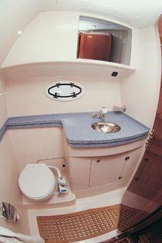 Viki 32 Sedan Shower Room & Head