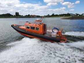 10 Mtr. Rescue Cabin Boat