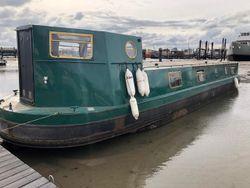 Widebeam Cruising Houseboat
