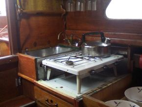 Chart table (opens to sink/gas hob)