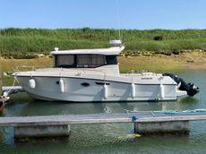 2015 Quicksilver 905 Captur Pilothouse