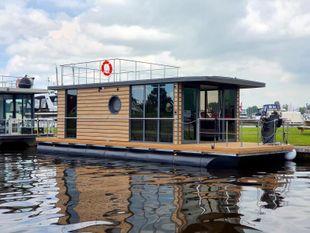 2021 La Mare Houseboat Apartboat L