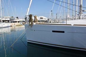 Jeanneau Sun Odyssey 449  - Bow