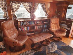 Sutton Trawler Yacht  - Saloon