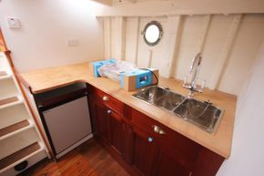 Galley situated aft