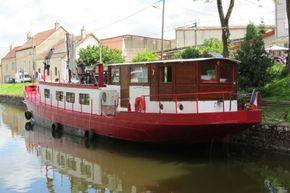 Barge Dutch live aboard boat - Exterior