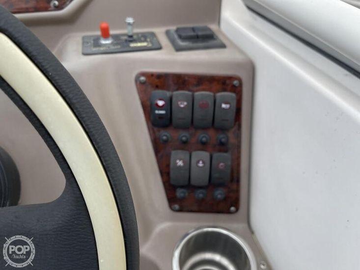 2006 Regal 2565 commodore