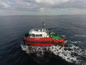 Sistership pictures 15m Tugboat with 17tbp