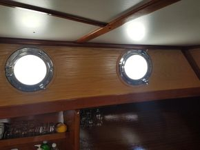 Forward salon Port holes and head linings