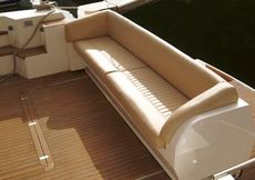 Sealine T50 Cockpit Seating