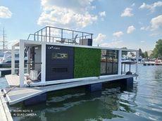 2022 La Mare Houseboat Modern 11