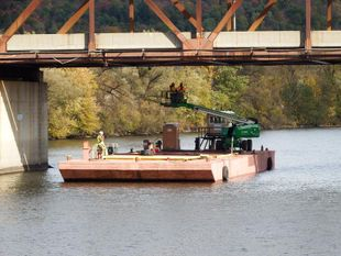 100' x 34' x 7' Barge for Charter