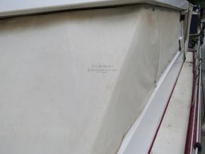 Princess 37 motor cruiser - Side Deck