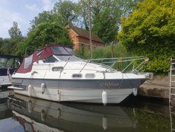 Sealine Senator 225 located River Medway