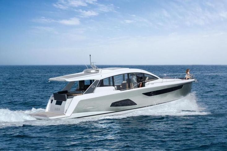 2021 Sealine C530