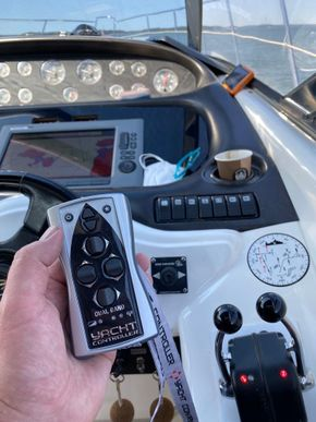 Carine Yachts  - Luxury Yacht Brokerage   Camargue 44 1999 Model 1999   Photo 4
