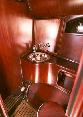 Carine Yachts  - Luxury Yacht Brokerage | VENEGY    37 2003 Estonia 2003 | Photo 4