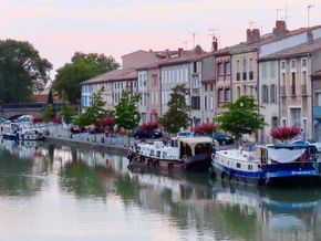 Moored in Castelnaudry
