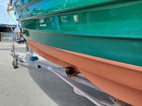 Character Boats Coastal Whammel Weekender - Hull Close Up