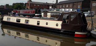 White Rose cruiser stern with mooring option