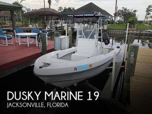1992 Dusky Marine 19