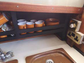 Coronet 32 Oceanfarer  - Galley