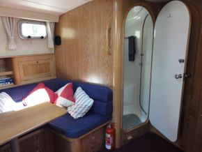 Heads Access from Lower Saloon