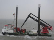 2010 Barge - Crane Barge For Charter