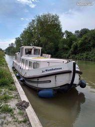 Locaboat 11m  cruising houseboat