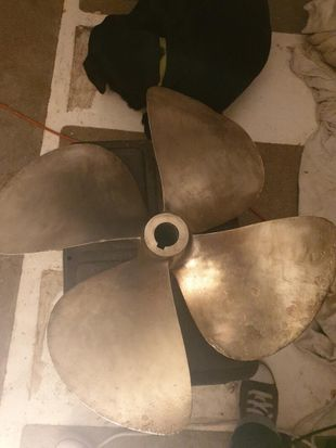 2 propellor and prop shafts