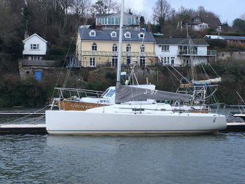J97 sailboat yacht race cruiser