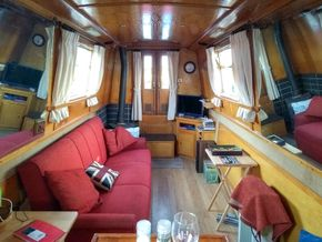 Front Cabin and mirrors
