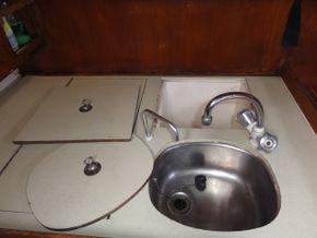 Sink & Coolbox