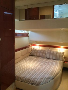 Starboard double cabin
