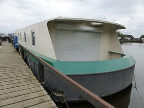 French & Peel 24m Widebeam  - Stern
