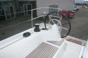 Starboard helm (similar boat)