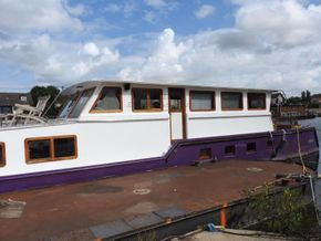 Residential Barge TRIVW until  07/2028 - Coachroof/Wheelhouse