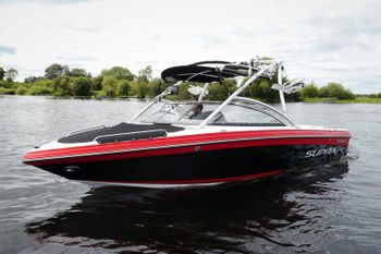 Supra 22 SSV | 22' Luxury Wakeboard Boat