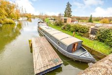 XL wide beam houseboat on mooring
