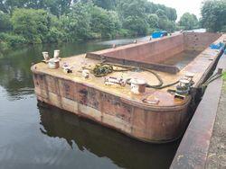 20.7m x 5.2m Hopper Barge - Ideal houseboat conversion