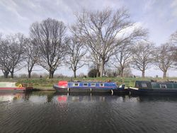 *Reduced price* 47ft Narrowboat with bright and modern interior