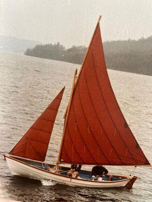 Lune Longboat Daysailer