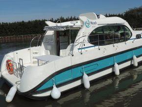 Nicols Estivale Octo Canal and river cruiser - Stern
