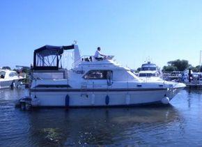 Fairline 36 Turbo Racecourse Marina Tingdene Boat Sales Ltd